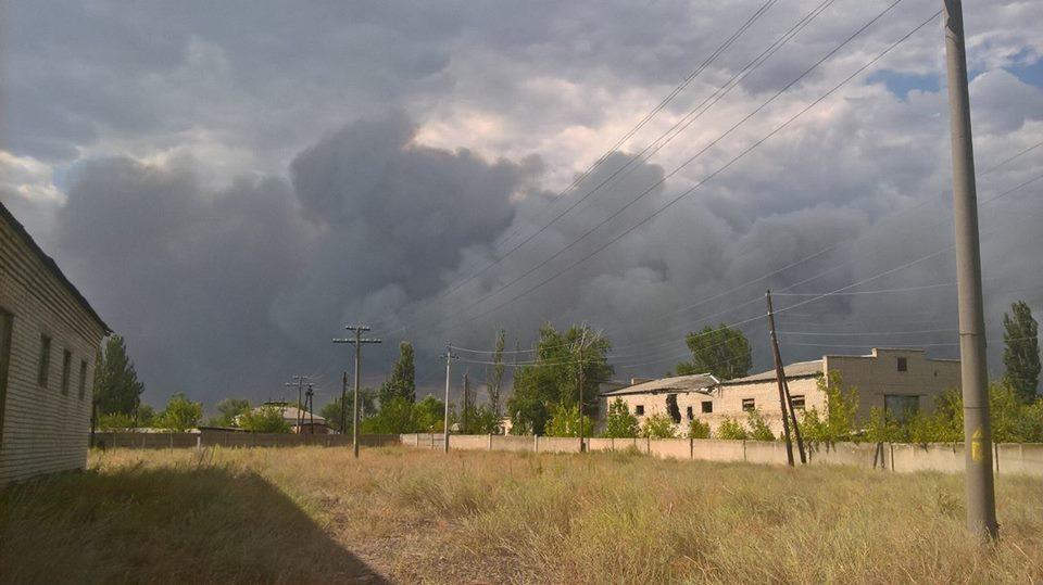 """Тактика """"выжженной земли"""": пожары в Станице Луганской"""