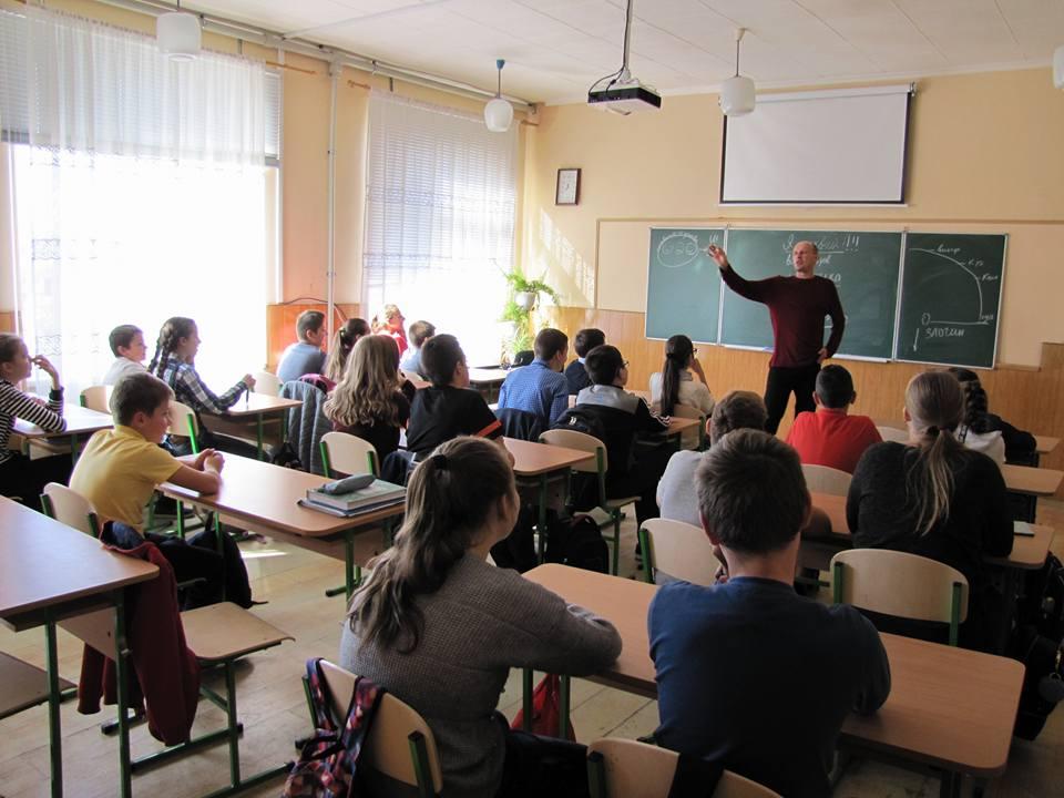 Як саєнтологи проникають до системи освіти (відео)