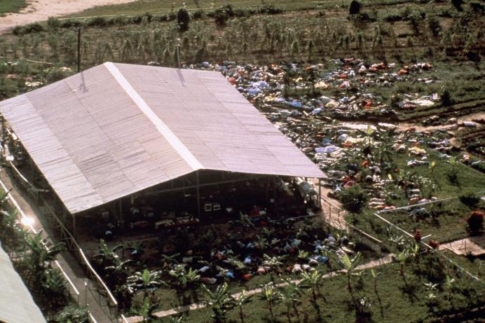 909: Джонстаунська трагедія