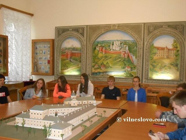 Зала музею історії Острозької академії