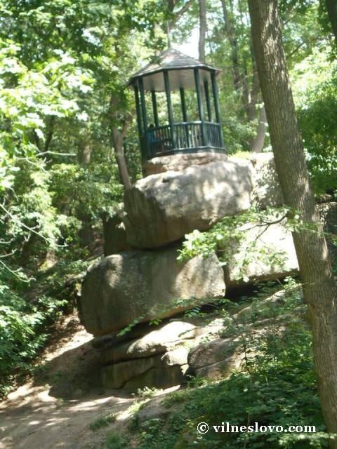 Альтанка на скелях