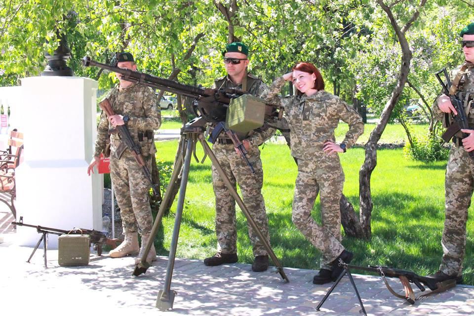 Виставка військового озброєння та техніки