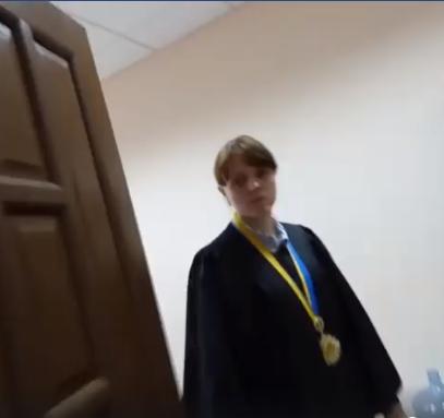 Чому суддя Левицька досі не звільнена
