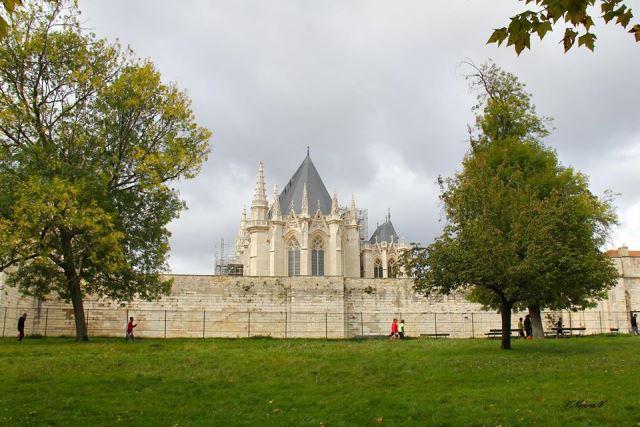 Венсенський замок, передмістя Парижу