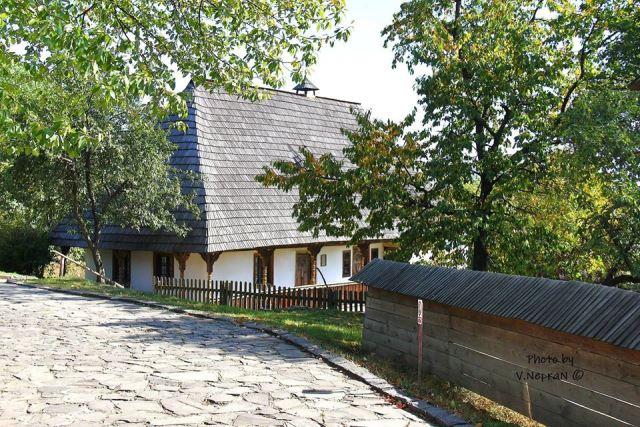 Ужгород, Закарпатський музей народної архітектури та побуту