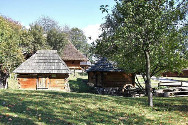 Закарпатський музей народної архітектури та побуту в Ужгороді