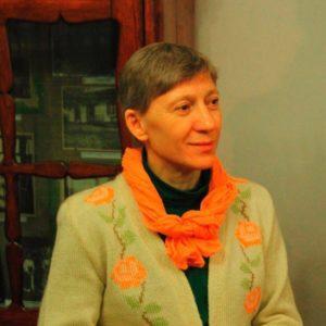 Сектантка Екскларамонда - одна з тих, хто поширює культові літературу секти Церква Божої Матері
