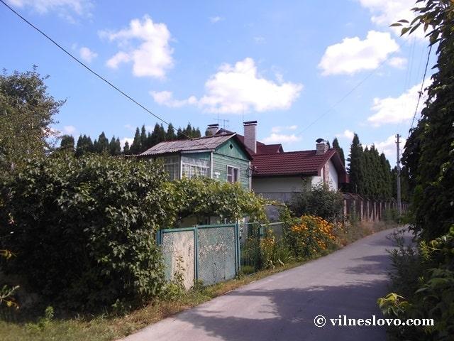 Дачні будинки на Русанівських садах