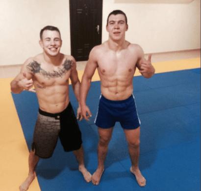 Бродячі боксери Олексій Заєць і Богдан Каліш