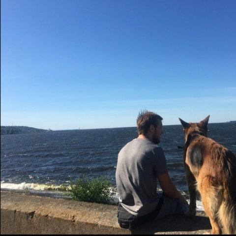 Олексій Заєць із собакою