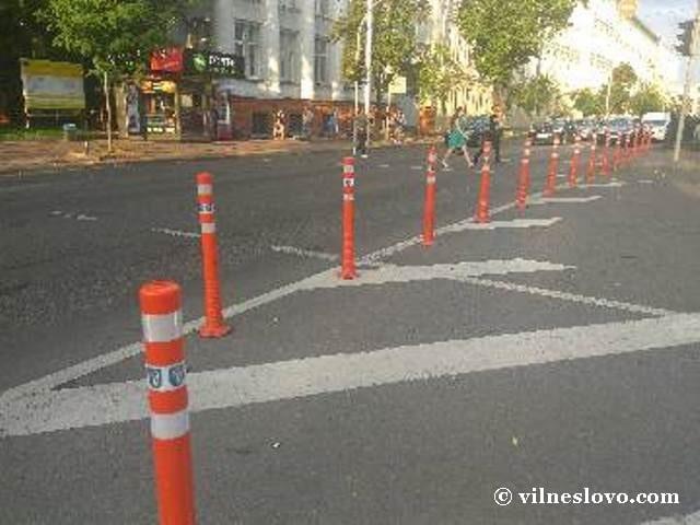 Пластиковый делинеатор движение пешеходов