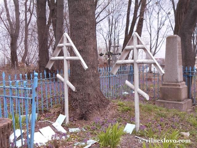 Старообрядці доглядають за місцями поховань